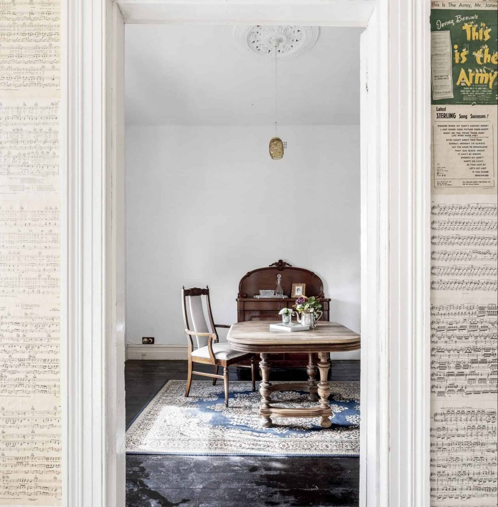1/141 Aberdeen St Sitting Room, expression of interest campaign